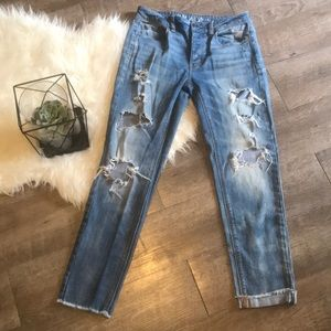 American Eagle Tomgirl Jeans- Distressed Sz4